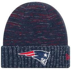 11461031_Bonnet NFL sans pompon New England Patriots On Field 2017 New Era Knit Rush Bleu