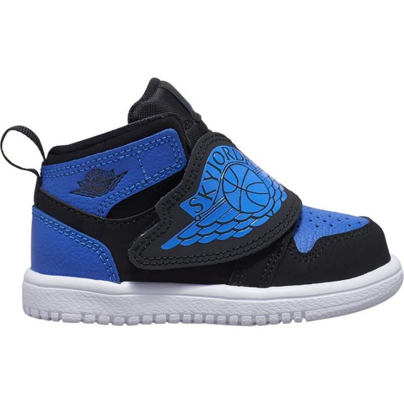 basket air jordan bleu