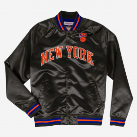 STJKMG1013-NYKBLCK1-S_Veste NBA New York Knicks Mitchell & Ness Lightweight satin Noir our Homme