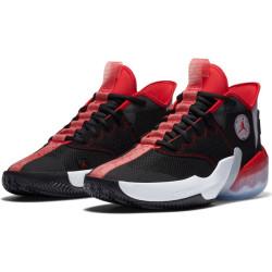 Chaussure de Basket Jordan React Elevation Noir Red pour homme